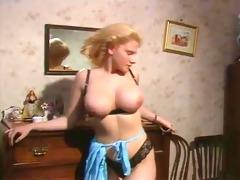 breasty italian girl
