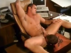 pleasing the boss - downloadgvideos.blogspot.com