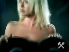 banned, uncensored & uncut music clip scenes