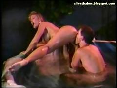 classic round gazoo mother i screwed in tub