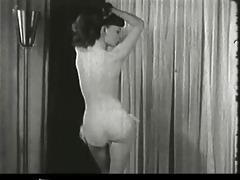 anothe pin-up dancing