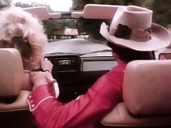 amber lynn blows bandit in a car