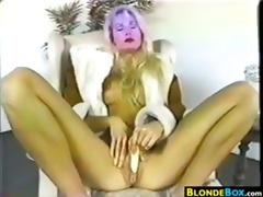 blond mother i masturbating