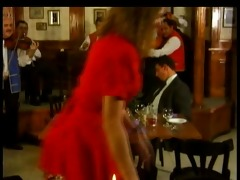 regina sipos double penetration au restaurant
