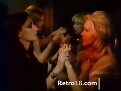 ideal retro girl7girl with sex tool