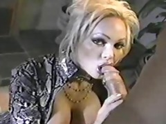 classic mother i houston engulfing cock!