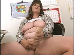 lady shows all 3115